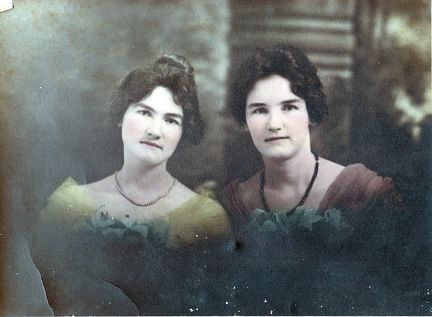 unknown pretty sisters sm-1511517783