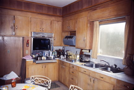 Royal Rd house - kitchen