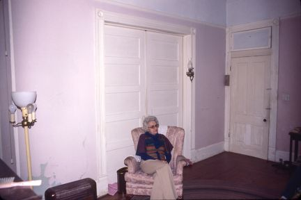 Royal Rd bedroom downstairs 1978 - Juanita